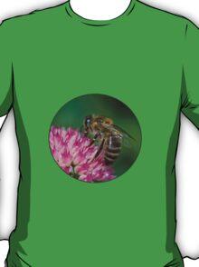 Close Up Bee T-Shirt
