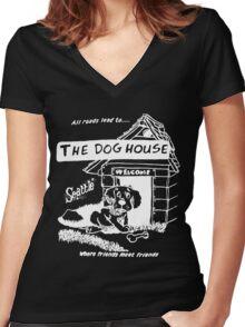 Retro Seattle – Dog House Restaurant T-Shirt Women's Fitted V-Neck T-Shirt