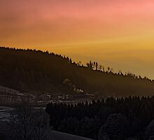 Winter sunrise over the mountains II | landscape photography by Patrick Jobst