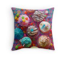 Cupcake du Jour Throw Pillow