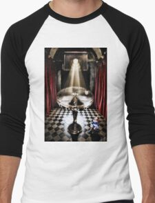 The Alice Series: A Glass Table Men's Baseball ¾ T-Shirt