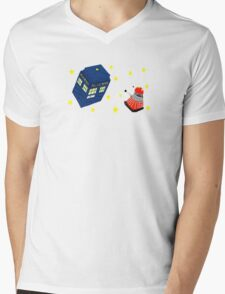 Doctor who tardis + Dalek battle  Mens V-Neck T-Shirt