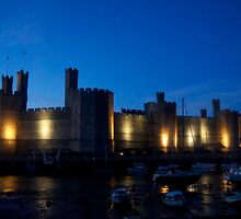 Caernarfon Castle at Night by dilyst