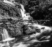 Bakers Falls, Sri Lanka by Cherrybom