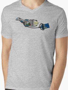 TARDIS in tow Mens V-Neck T-Shirt