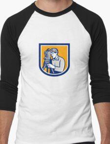 Surveyor Using Total Station Theodolite Retro Men's Baseball ¾ T-Shirt