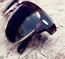 The vintage sunglasses by RafaelArty