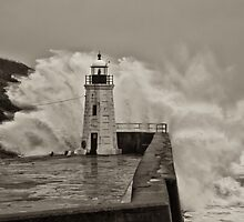 lybster lighthouse by christopher lonie