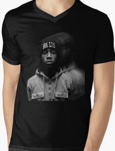 """""""Simmie"""" Faded Graphic Mens V-Neck T-Shirt"""