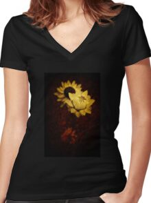 Everlasting Paper Daisies - Uluru - Northern Territory Women's Fitted V-Neck T-Shirt