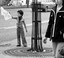 paris 1975 par okaio  Careless passers and dangerous game boy ! by okaio caillaud olivier