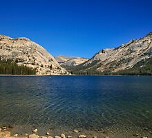 Lake Ellery Yosemite by damhotpepper