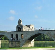 Le Pont d'Avignon by looneyatoms