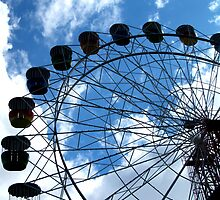 Ferris Wheel by kcikr