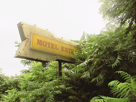Motel Entrance by LauraPlad
