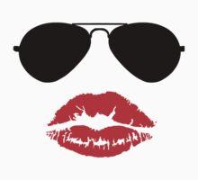 Aviator Sunglasses and Kiss T-Shirt