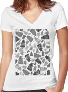 50 Shades of Grey Daleks - Doctor Who - DALEK Camouflage Women's Fitted V-Neck T-Shirt