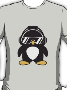 Penguin with headphones T-Shirt