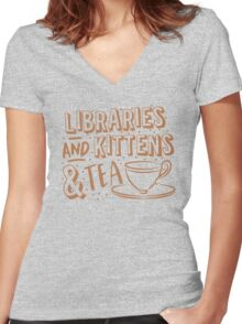 LIBRARIES and kittens and tea (just a few of my favourite things!) Women's Fitted V-Neck T-Shirt