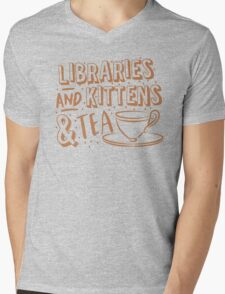LIBRARIES and kittens and tea (just a few of my favourite things!) Mens V-Neck T-Shirt