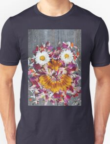 Abstract color and decorative face of petals T-Shirt