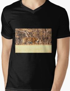 Tiger on the move Mens V-Neck T-Shirt
