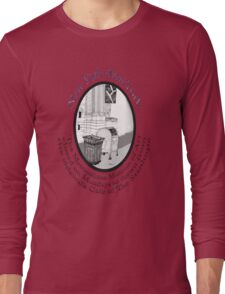 NYC-the Metropolitan Museum of Art is closed Mondays Long Sleeve T-Shirt