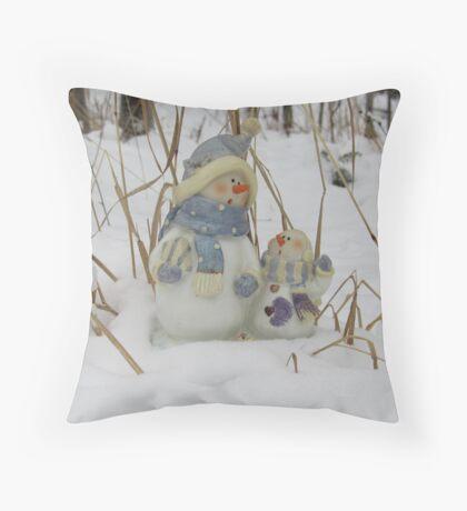 Snowman Family Throw Pillow