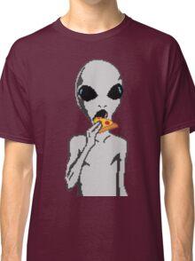 Alien eat pizza Classic T-Shirt