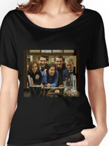 cast of himym Women's Relaxed Fit T-Shirt