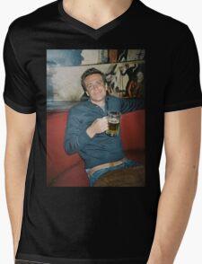 marshall eriksen drinking beer Mens V-Neck T-Shirt