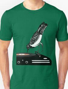 DJ magpie Unisex T-Shirt