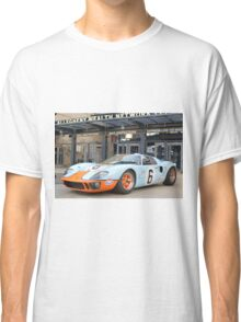 Ford GT 40 Racecar Gulf Oil Vintage Auto Classic T-Shirt