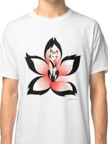 Hana (Flower) Kitsune Classic T-Shirt