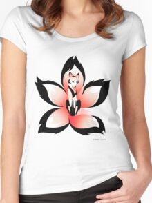 Hana (Flower) Kitsune Women's Fitted Scoop T-Shirt