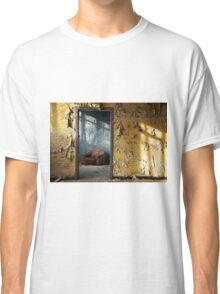 blue room Classic T-Shirt