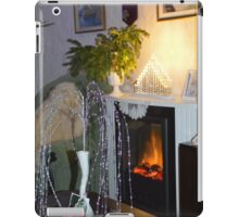 CHRISTMAS EVE BY THE FIREPLACE. iPad Case/Skin