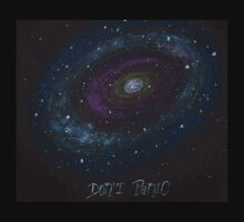 The Hitchhiker's Guide to the Galaxy Tshirt , Don't Panic by StilleSkygger