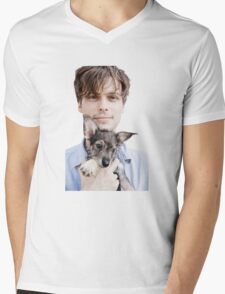 Matthew Gray Gubler Holding Puppy Mens V-Neck T-Shirt