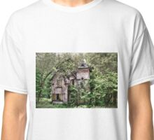 Mansion in decay Classic T-Shirt