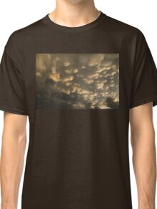 Phenomenal Sky - Incredible Mammatus Clouds At Sunset Classic T-Shirt