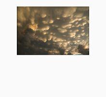 Phenomenal Sky - Incredible Mammatus Clouds At Sunset Unisex T-Shirt