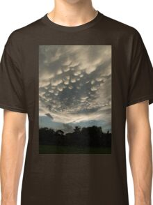 Bizarre Mammatus Clouds After a Summer Storm Classic T-Shirt