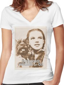Wizard of Oz Dorothy Women's Fitted V-Neck T-Shirt