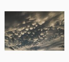 Phenomenal Sky - Fascinating Mammatus Clouds Kids Tee
