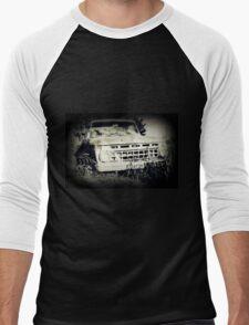 Old Abandoned Car Men's Baseball ¾ T-Shirt