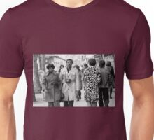 Collector, On the Way to M.Cartier Bresson Paris 1975 9 (n&b)(t) by Olao-Olavia par Okaio Création Unisex T-Shirt