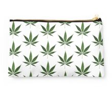 Cannabis leaves Studio Pouch