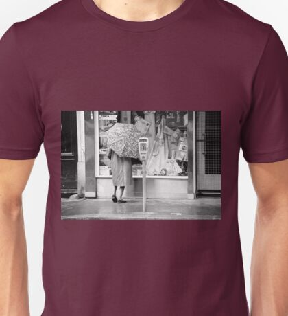 Collector, On the Way to M.Cartier Bresson Paris 1975 12 (n&b)(t) by Olao-Olavia par Okaio Création Unisex T-Shirt