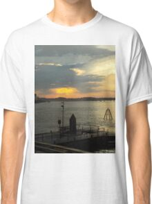 HABOUR SUNSET Classic T-Shirt